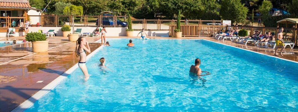 Camping dr me avec piscine pataugeoire solarium parc - Camping drome avec piscine ...